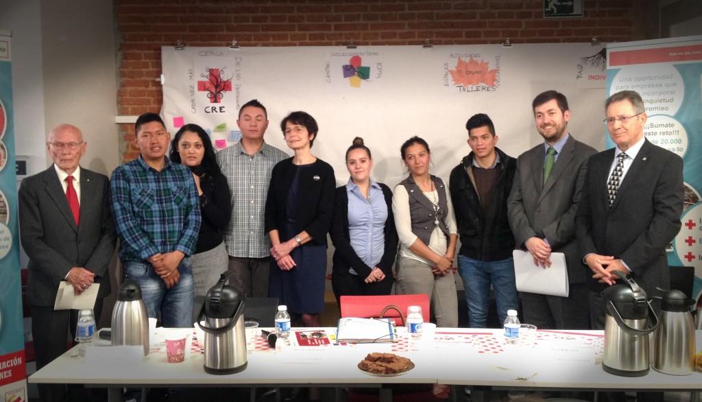 Marianne Thyssen con los protagonistas de Aprender Trabajando